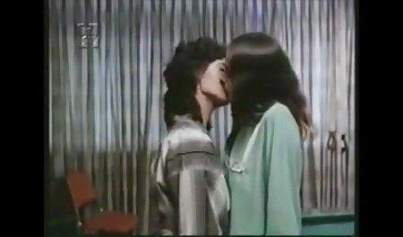 मेलिसा मूर और वेलेंटीना नैपी सेक्सी फिल्म एचडी मूवी वीडियो इटालियन ट्यूटर