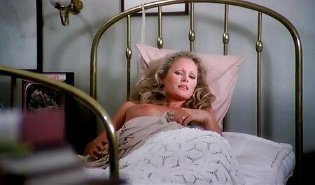 गोरा बिस्तर पर कठिन गड़बड़ और चेहरे में एक भार हो सेक्सी एचडी हिंदी मूवी जाता है