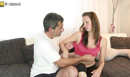 कामुक श्यामला उसके नम सेक्सी मूवी फुल एचडी हिंदी में योनी के अंदर एक डिल्डो गहरा धक्का