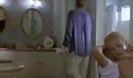 हॉट हिंदी सेक्सी एचडी मूवी बस्टी ब्रुनेट हो जाता है एक फेशियल