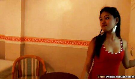 सेक्सी रेड इंडियन फूहड़ उसके डिल्डो के साथ खेल रहा हिंदी सेक्सी वीडियो मूवी एचडी है